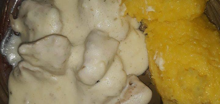 piept de pui cu sos de smântână și usturoi