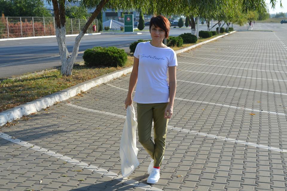 pantaloni kaki Femme Luxe
