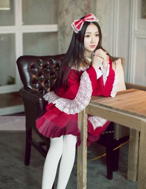 Lolita capes